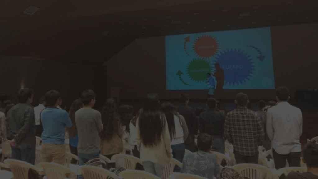 Conferencias-motivacionales-charlas-talleres-universidad-autonoma-facultad-arquitectura-amar-la-vida
